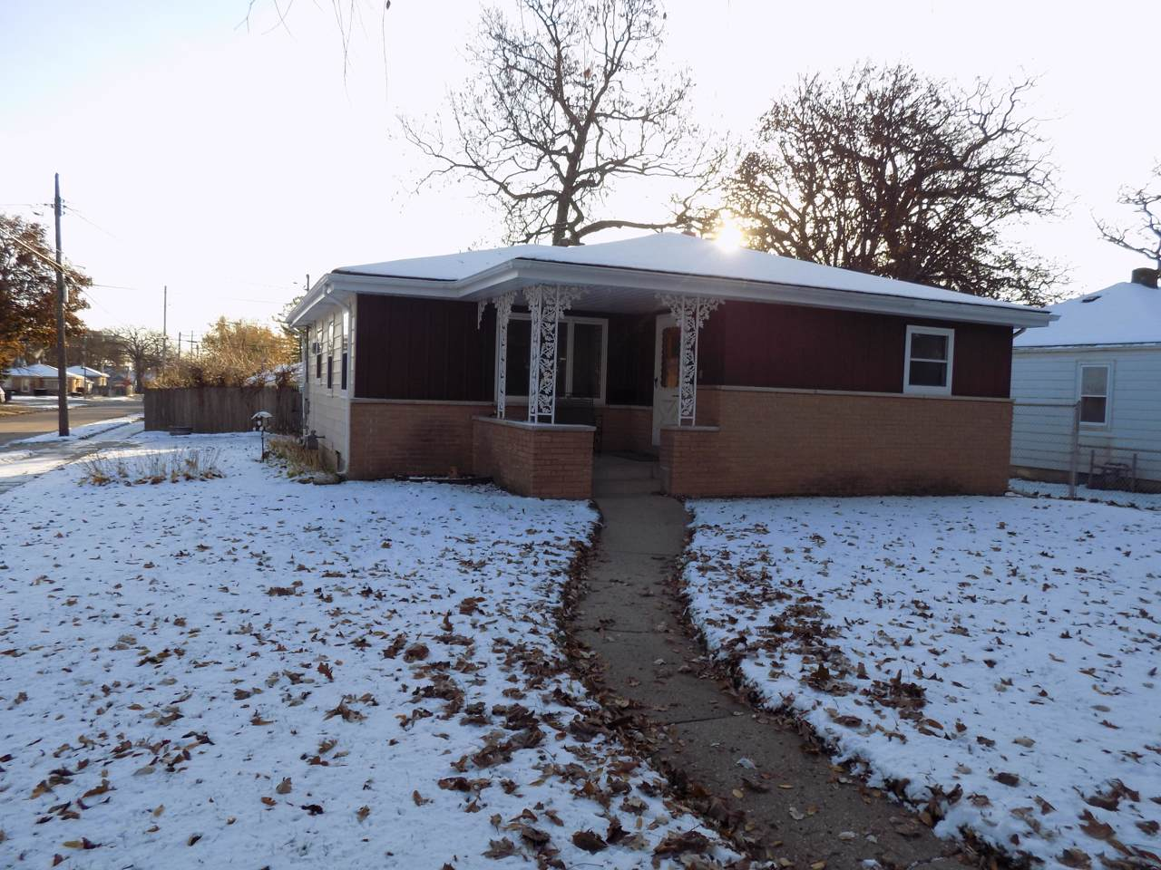5703 40th Ave - Photo 1