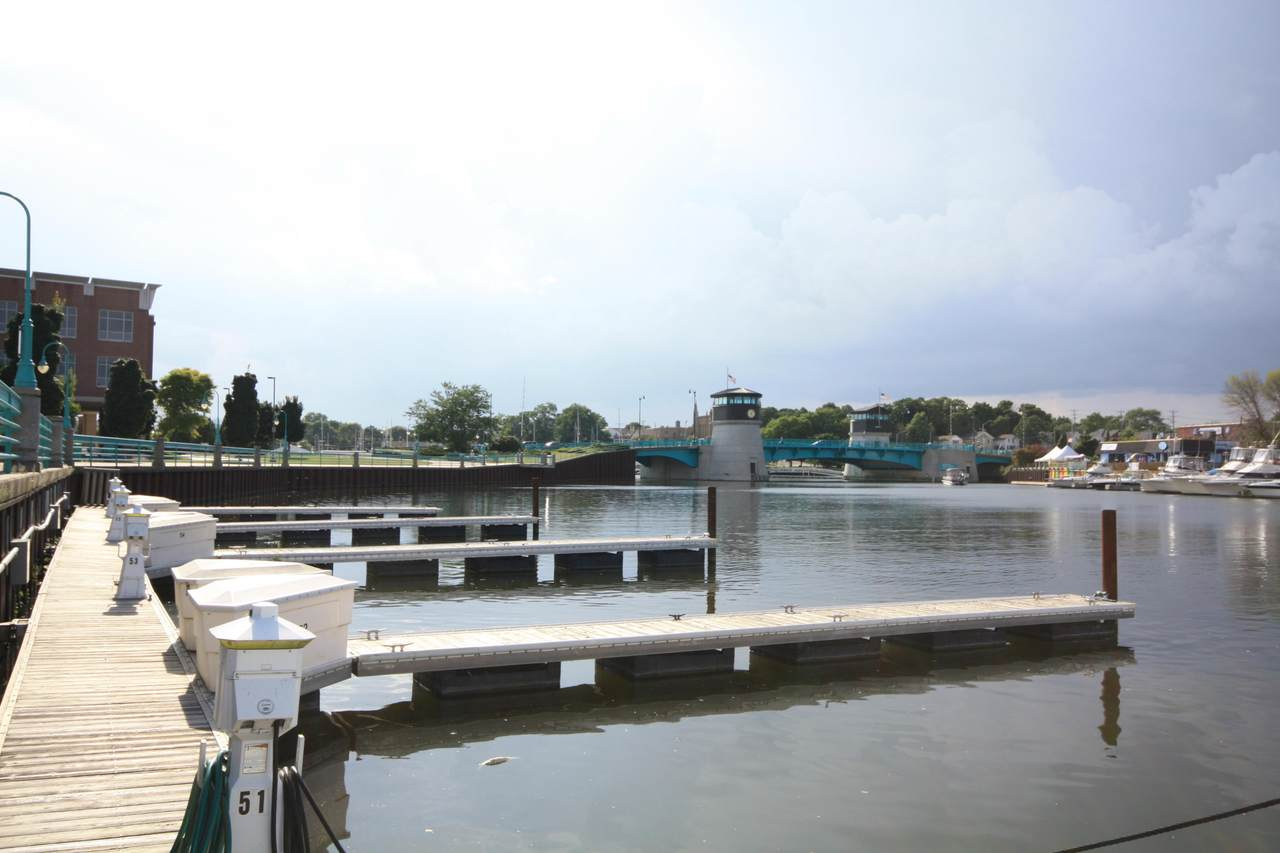 55 Gaslight Pointe Marina - Photo 1
