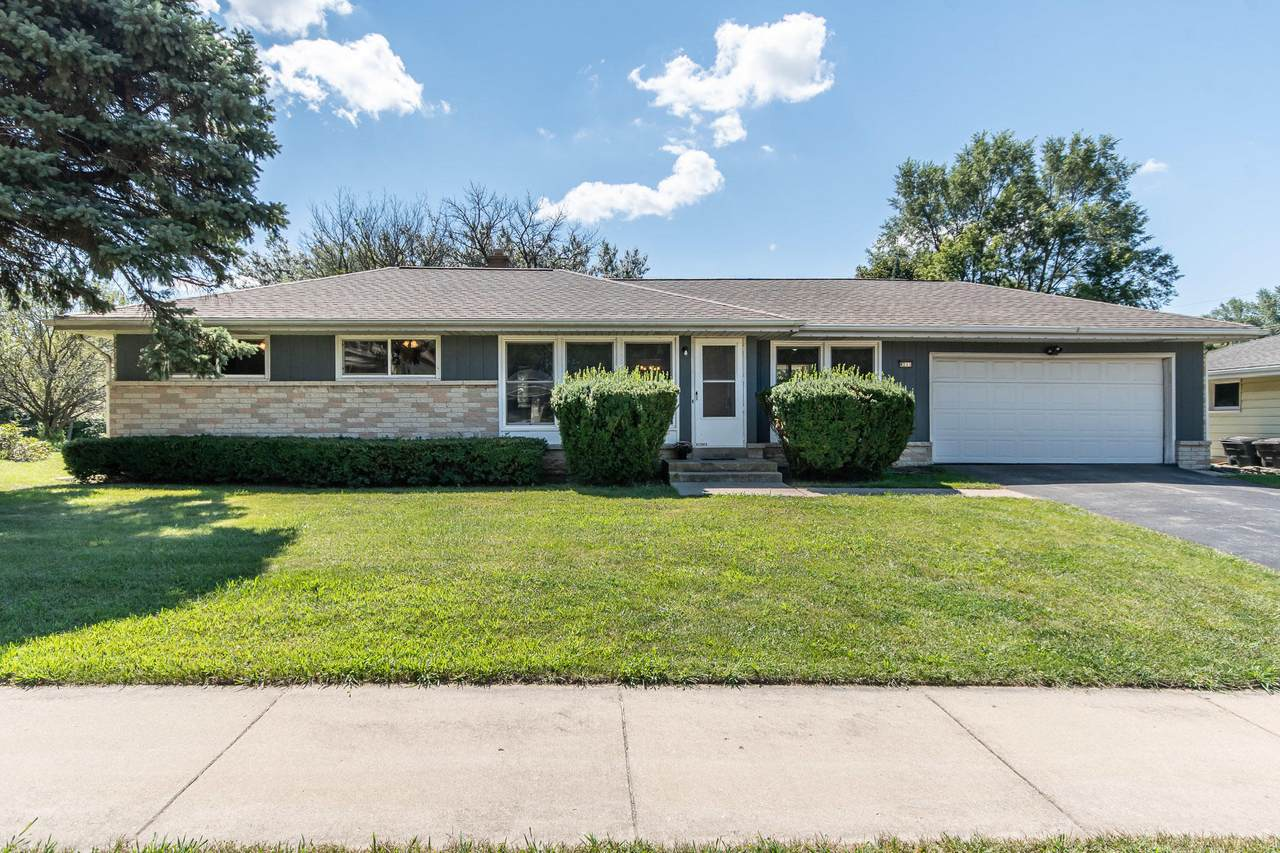 4211 Cold Spring Rd - Photo 1