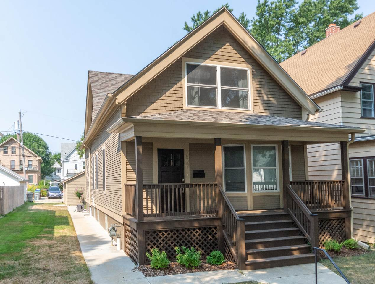 2827 Clement Ave - Photo 1