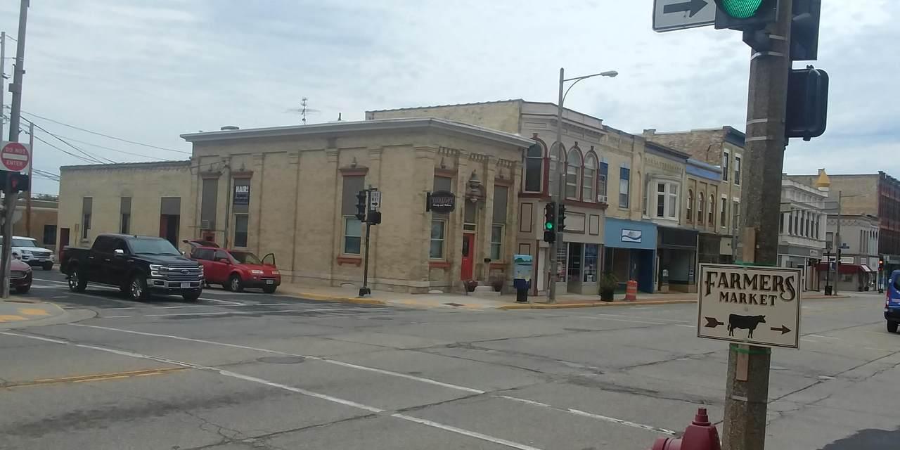 317 Main St - Photo 1
