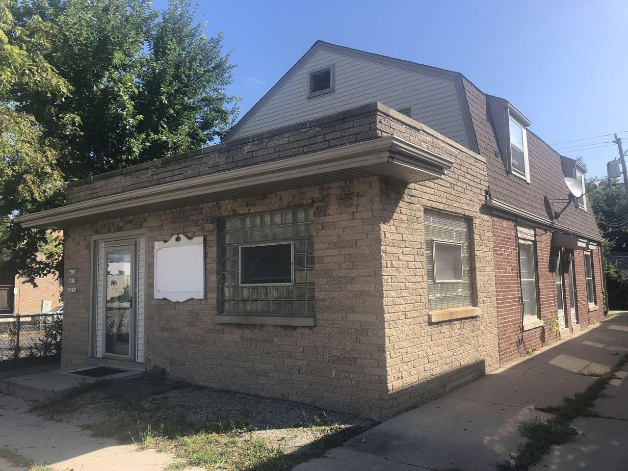 4008 Howell Ave - Photo 1
