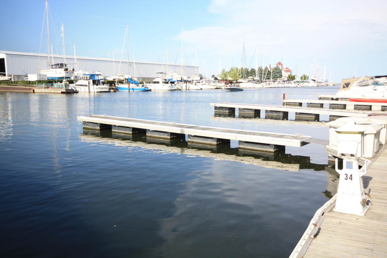 35 Gaslight Pointe Marina - Photo 1