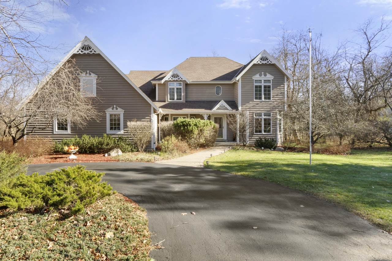 785 Indian Hills Rd - Photo 1