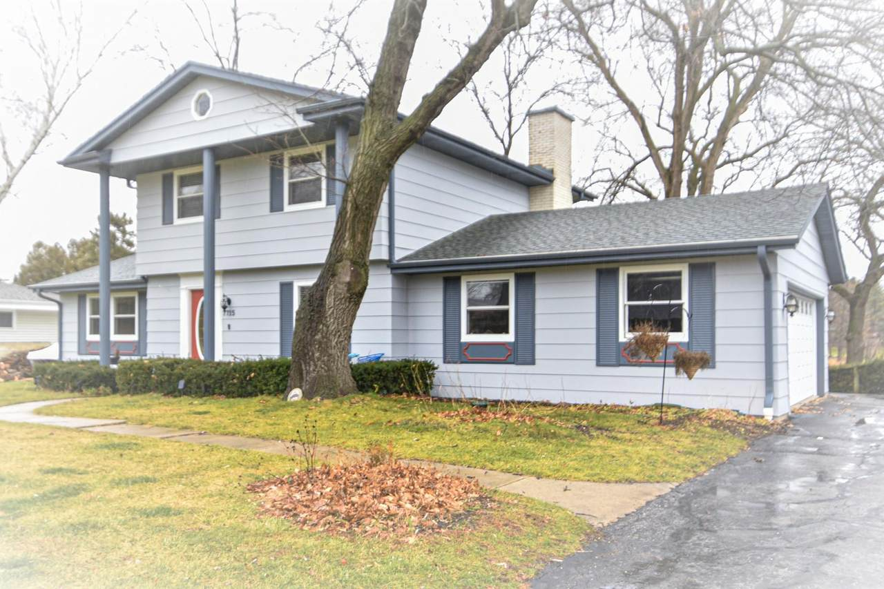 7715 View Dr - Photo 1