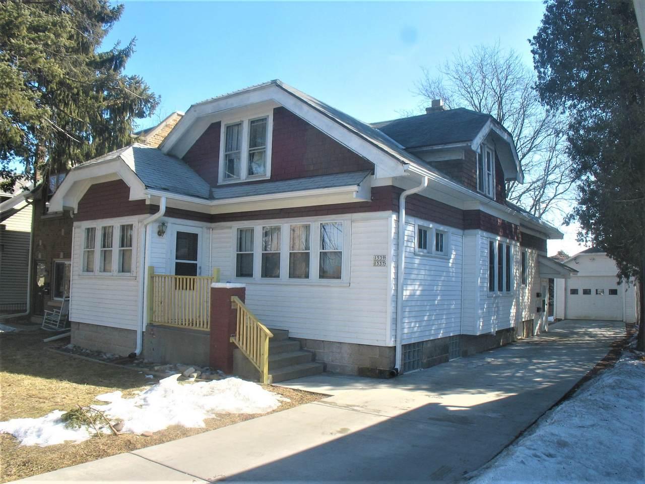1537 Barton Ave - Photo 1