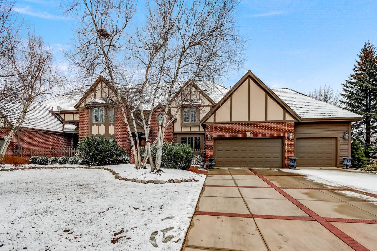 8528 Country Club Dr - Photo 1