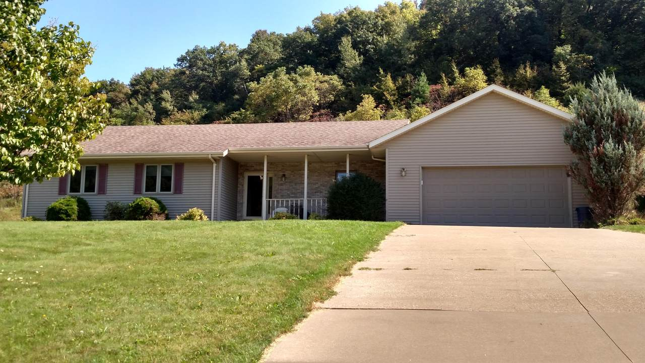 240 Red Apple Dr - Photo 1