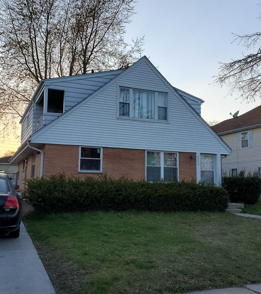 4542 39th Ave - Photo 1