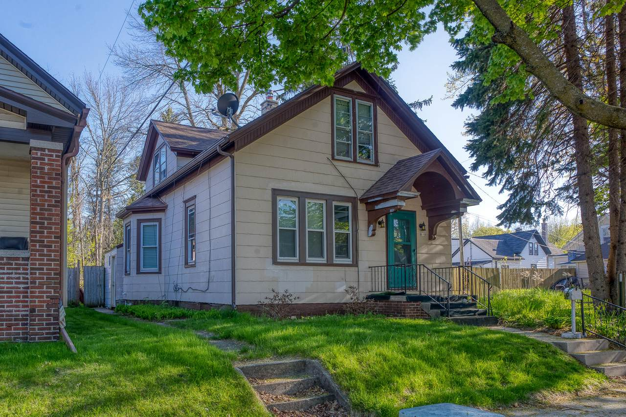 819 Lincoln Ave - Photo 1