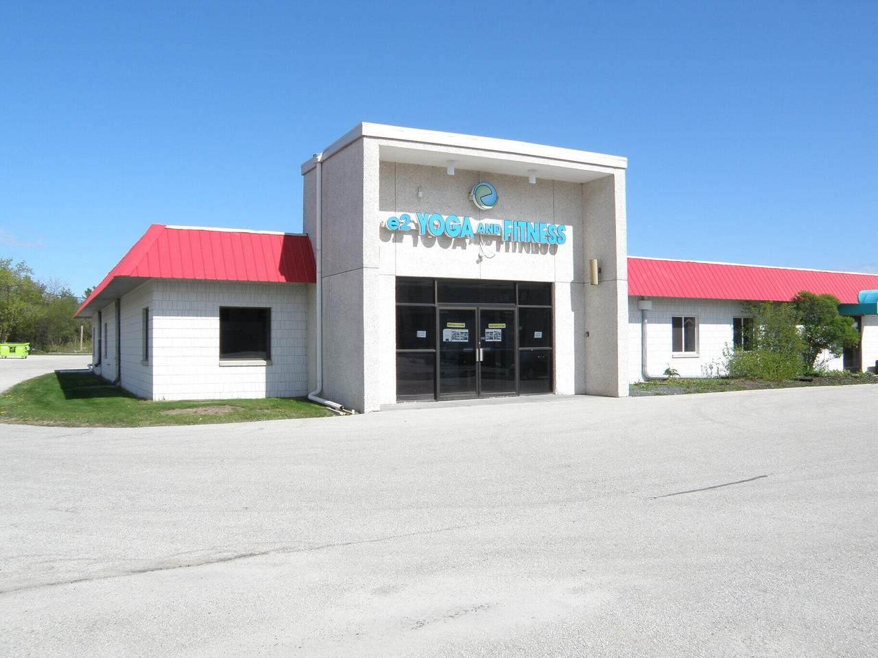 10510 Port Washington Rd - Photo 1