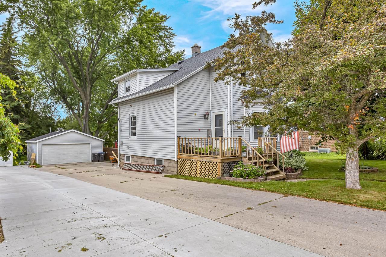 144 Wisconsin Ave - Photo 1
