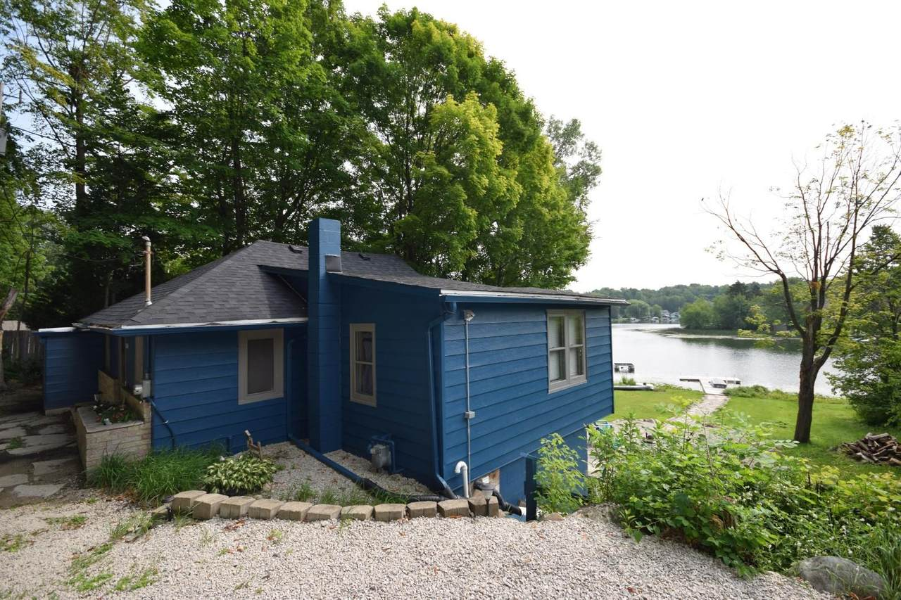 5558 Point Dr - Photo 1