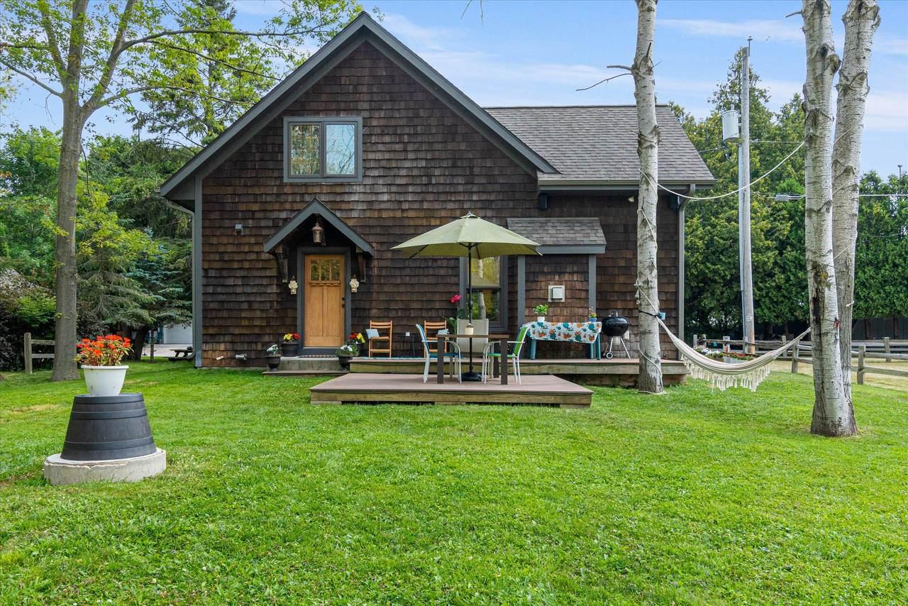 N1414 Cottage Dr - Photo 1