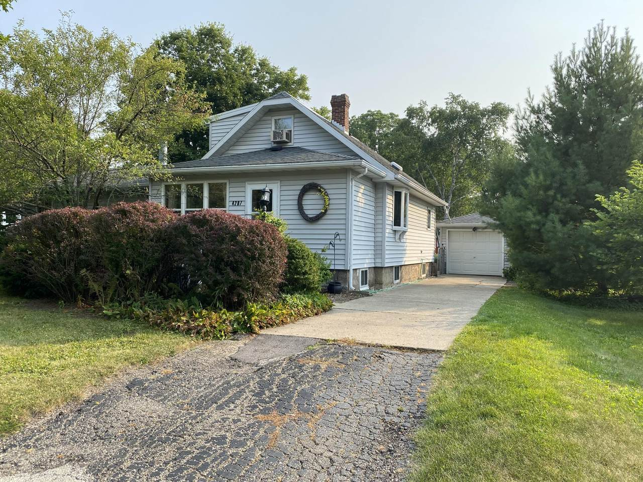4207 Maher Ave - Photo 1