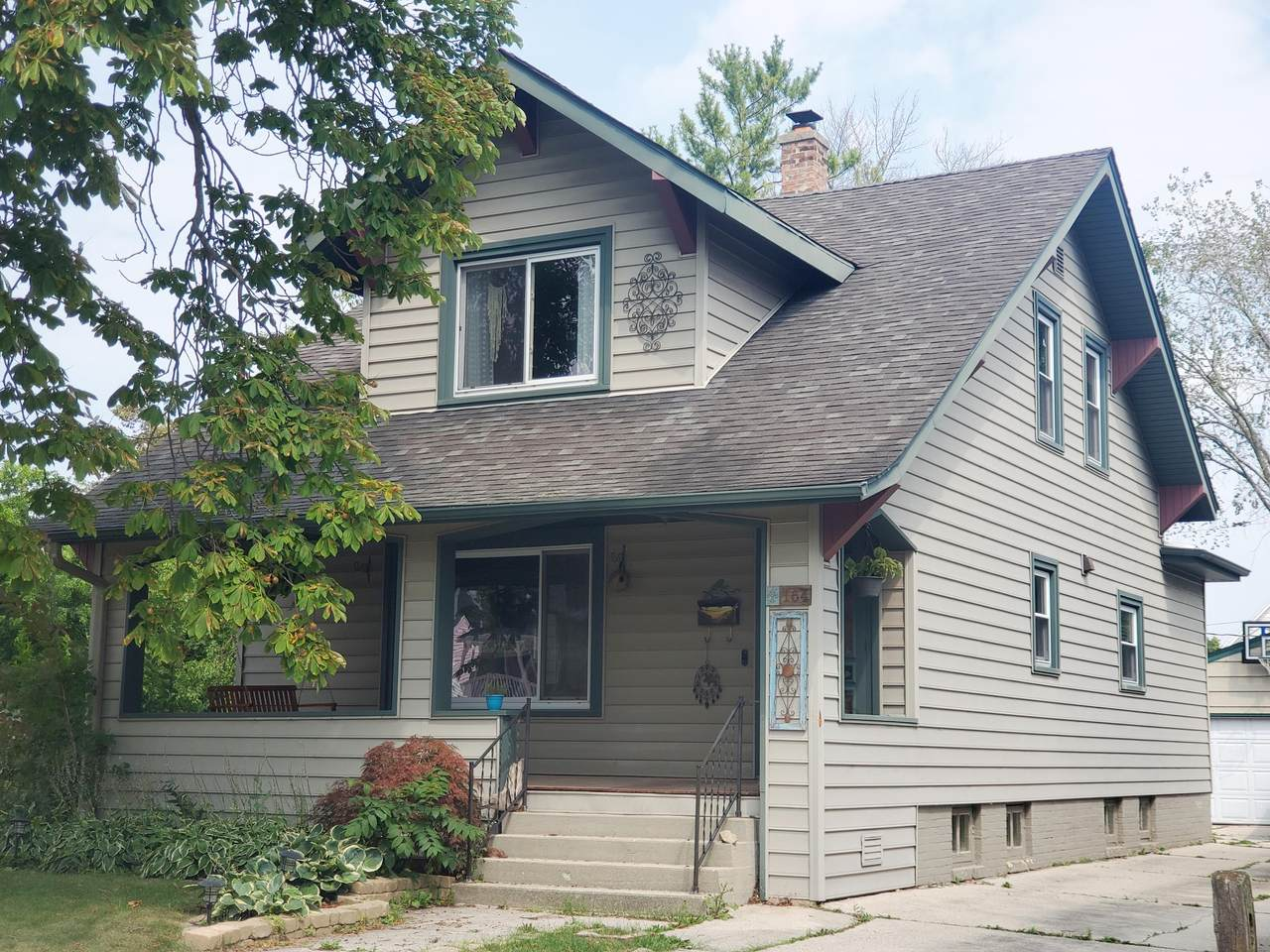 164 Guilford - Photo 1