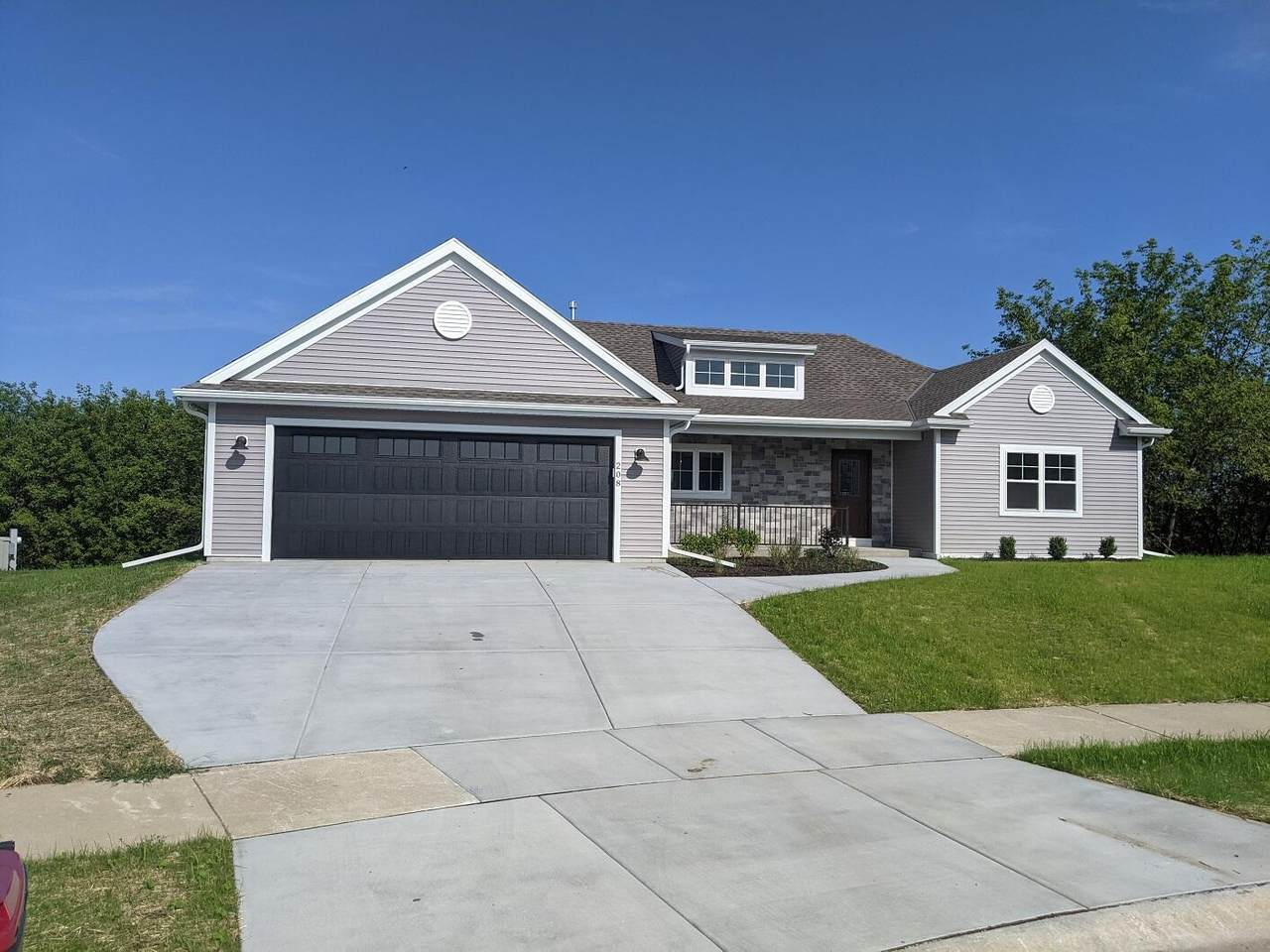 208 Stonefield Dr - Photo 1