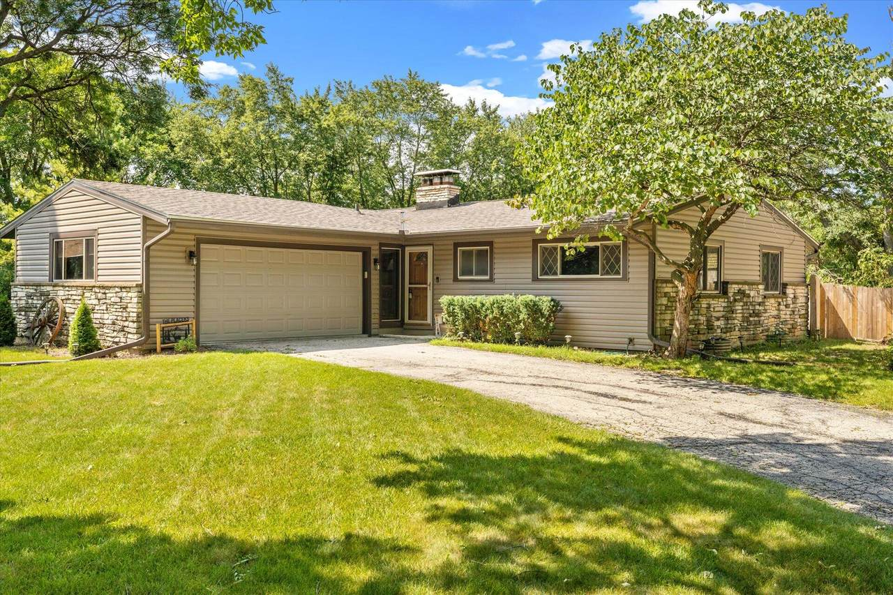 2365 Green Links Dr - Photo 1