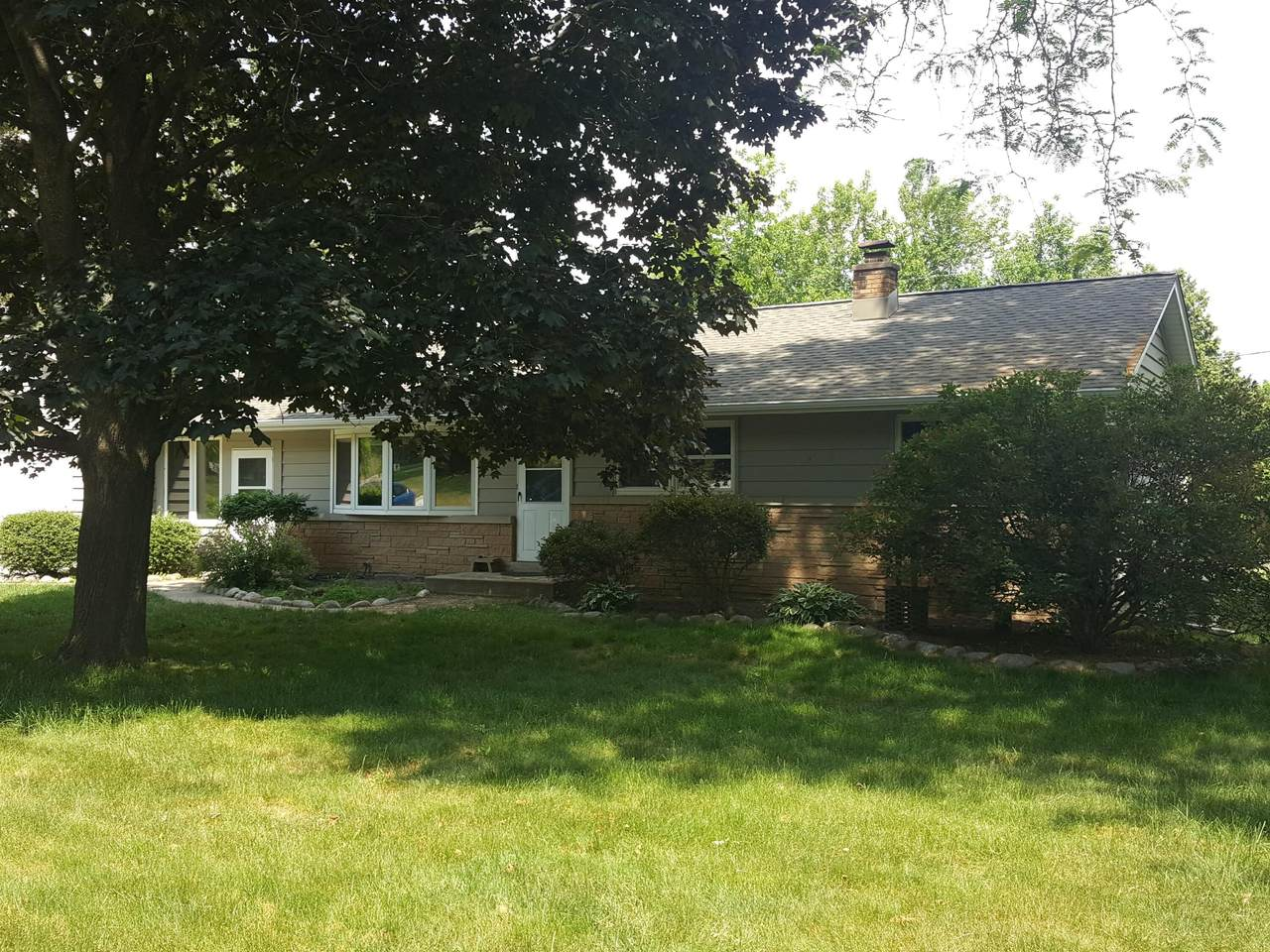 W266S3564 Valley View Dr - Photo 1