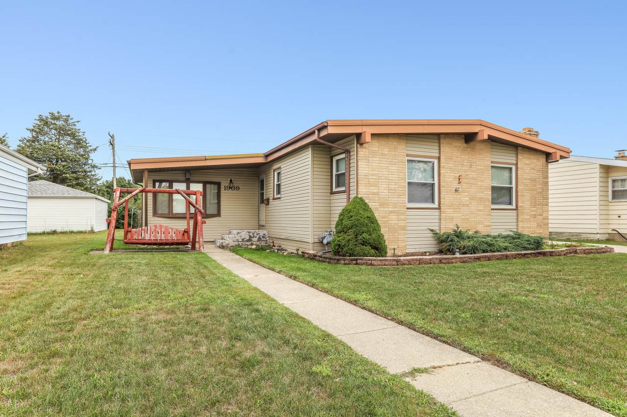 1909 19th Ave - Photo 1