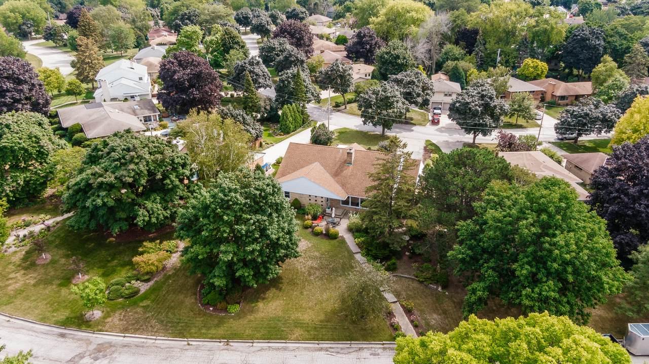 5501 Jackson Park Dr - Photo 1