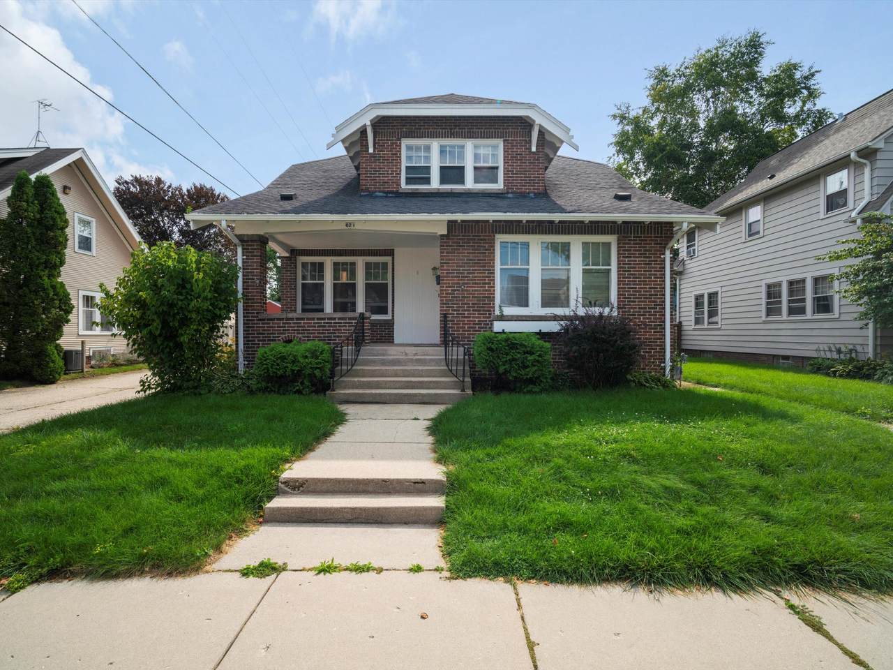621 Bell Ave - Photo 1