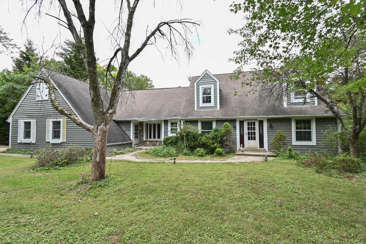 S1W31448 Hickory Hollow Ct - Photo 1