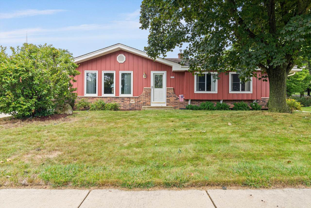 1672 Walters Dr - Photo 1