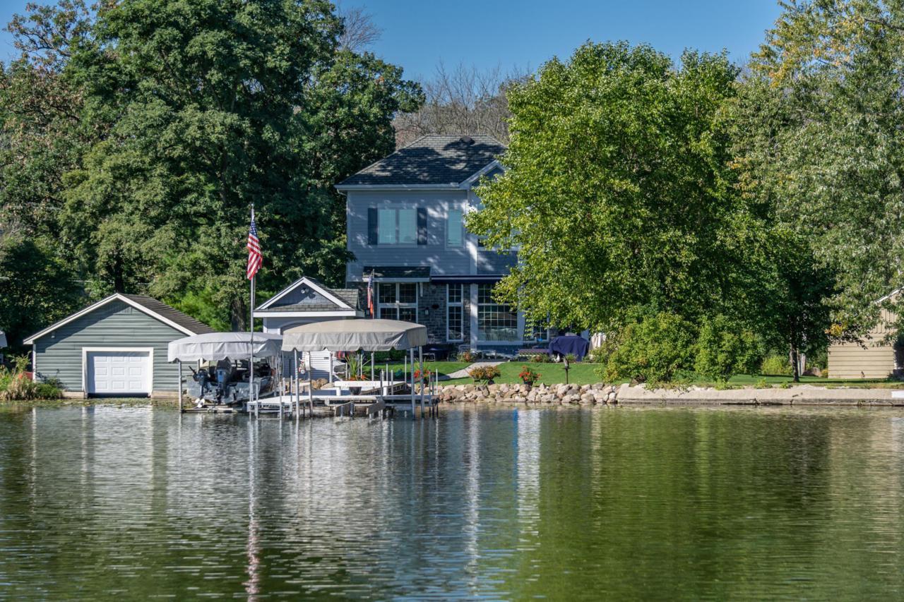 3728 Hickory Ln - Photo 1