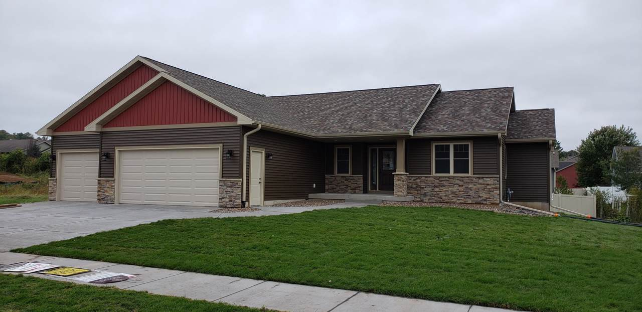 600 Grand Meadow Dr - Photo 1