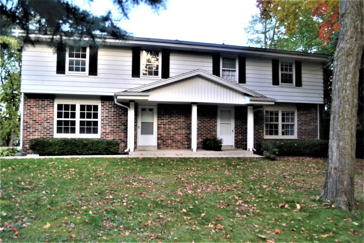 560 Meadow Ct - Photo 1