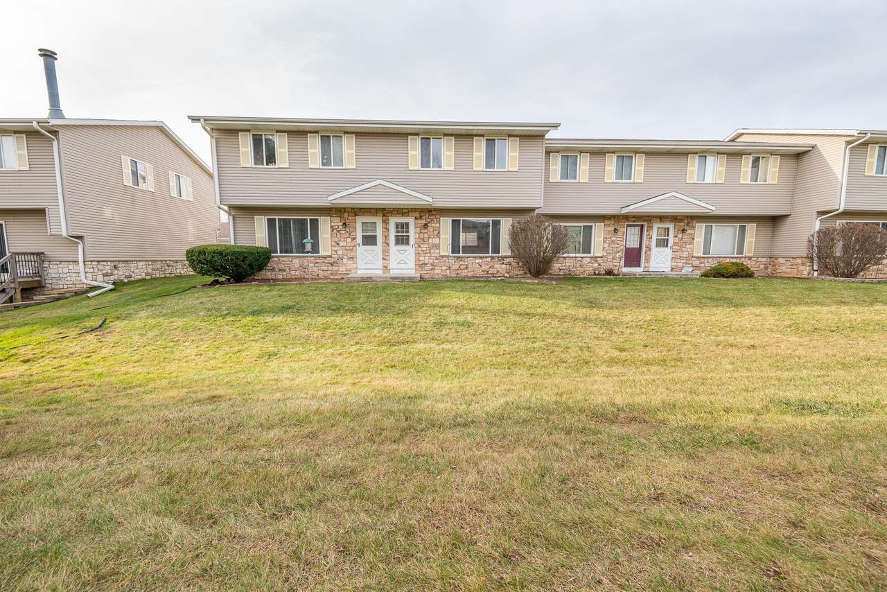 W163N11516 Windsor Ct - Photo 1