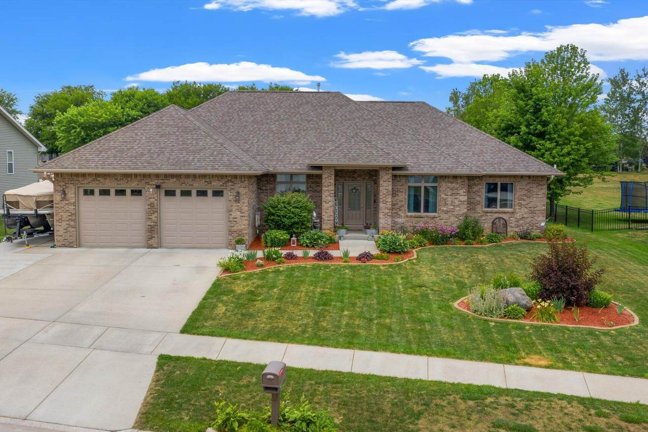 819 Tower Hill Dr - Photo 1