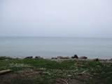 5652 Cedar Beach Ln - Photo 2