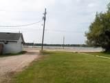 W1112 Lake Shore Dr - Photo 16
