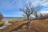 2525 Shore Dr - Photo 2