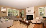 13988 Linfield Dr - Photo 2