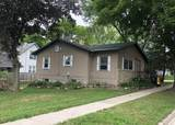 401 Clarence St - Photo 1