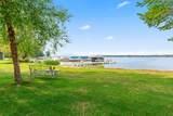 442 Lac La Belle Dr - Photo 5