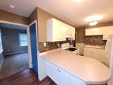 831 Greenfield Ave - Photo 4