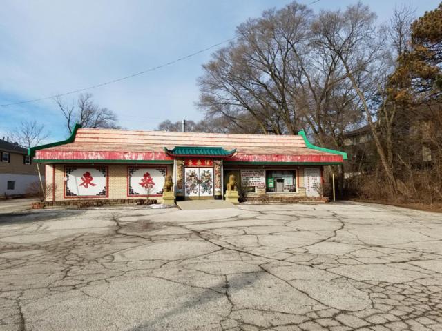 305 N Main St, Thiensville, WI 53092 (#1513569) :: Tom Didier Real Estate Team