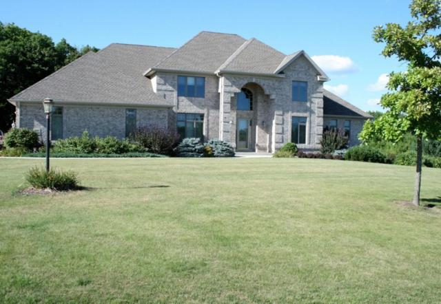 14175 N Twin Oaks Ln, Mequon, WI 53097 (#1518547) :: Vesta Real Estate Advisors LLC