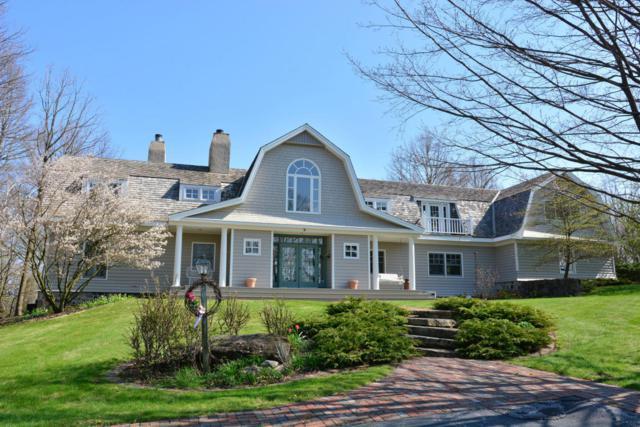 3993 Birchwood Rd, Saukville, WI 53080 (#1528721) :: Tom Didier Real Estate Team
