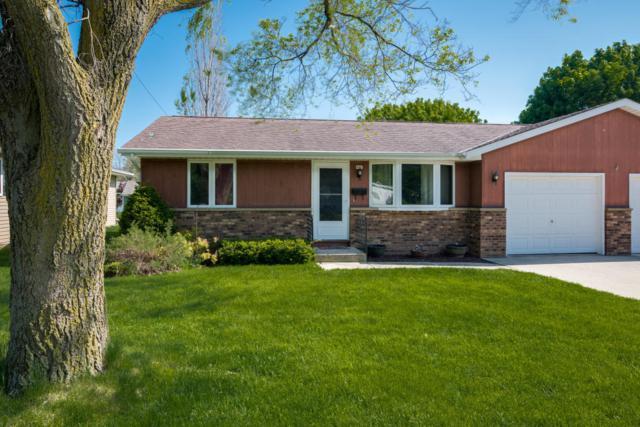 405 W Union Ave, Cedar Grove, WI 53013 (#1531528) :: Tom Didier Real Estate Team