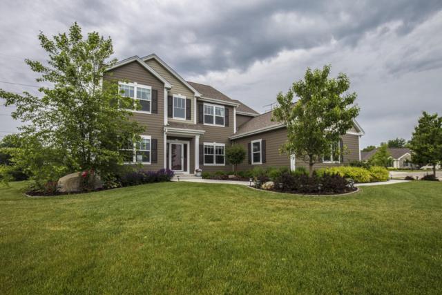 W82N765 Topview Trl, Cedarburg, WI 53012 (#1533287) :: Tom Didier Real Estate Team