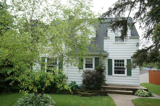 829 W Melin St, Port Washington, WI 53074 (#1534769) :: Tom Didier Real Estate Team