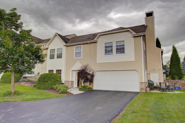 385 Lindsay Ln, Brookfield, WI 53045 (#1535208) :: Vesta Real Estate Advisors LLC