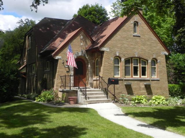 W66 N515 Madison Ave, Cedarburg, WI 53012 (#1535863) :: Tom Didier Real Estate Team