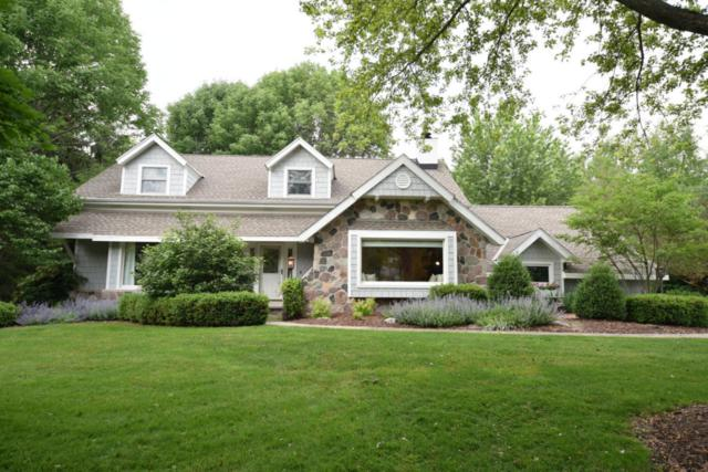 550 E Circle Rd, Mequon, WI 53092 (#1536656) :: Tom Didier Real Estate Team