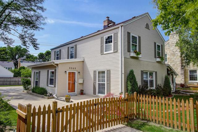 5509 N Santa Monica Blvd, Whitefish Bay, WI 53217 (#1538354) :: Vesta Real Estate Advisors LLC